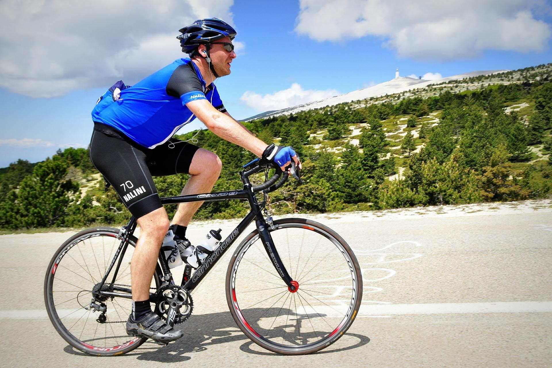 cyclist-394274_1920